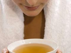 喝茶养生,茶叶水洗脸有什么好处