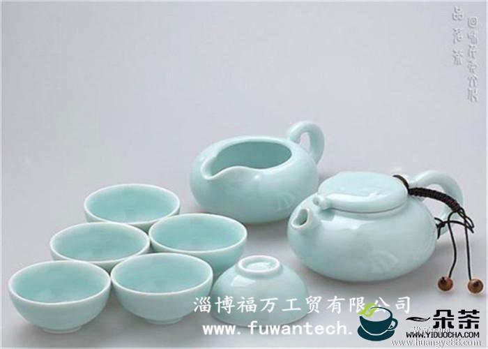 精细雅致的瓷器茶具