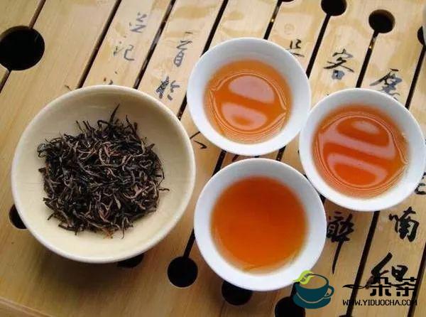 上等茶叶的挑选和辨别方法