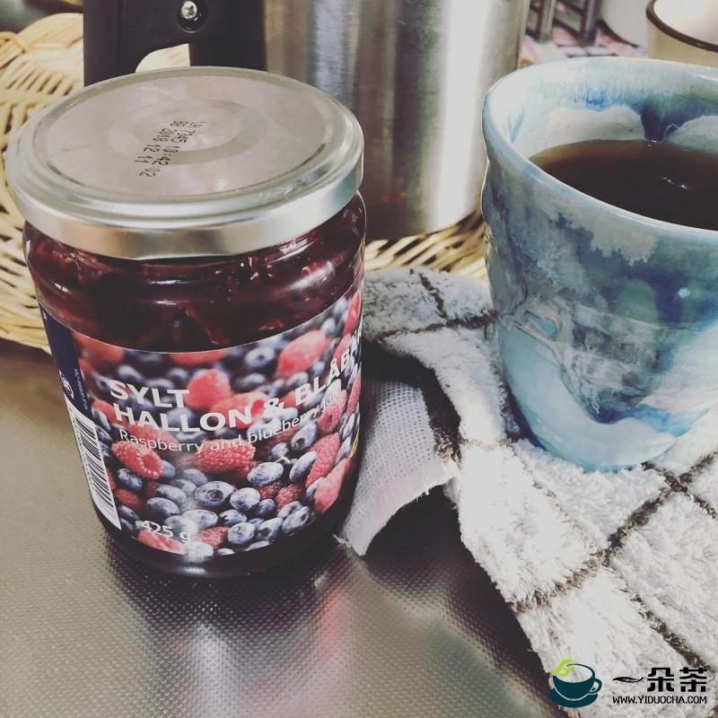 蓝莓苹果普洱茶饮