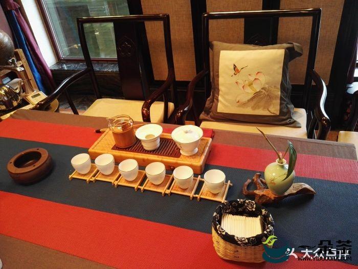 台湾中华茶艺协会通过的茶艺基本精神是清、敬、怡、真